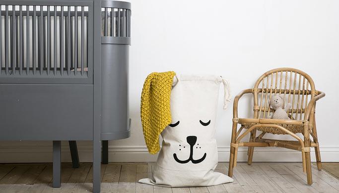 ambiance-chambre-enfant-rangement-sac-tissu-bear-tellkiddo