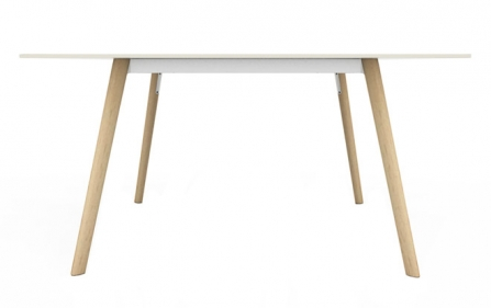 Pilo Table