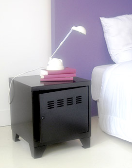 table de chevet en metal top table de chevet uac roulettes en mtal noire l cm bahia prix pas. Black Bedroom Furniture Sets. Home Design Ideas