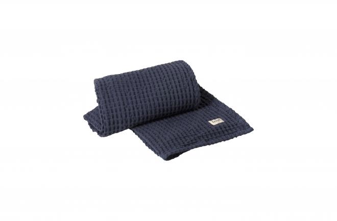 serviette de bain organic 70x140 ferm living gris fonc file dans ta chambre. Black Bedroom Furniture Sets. Home Design Ideas