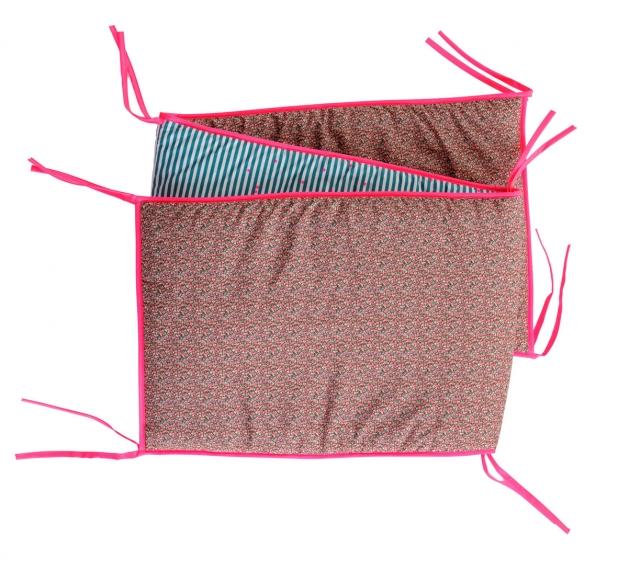 tour de lit bambis liberty 60x120 la cerise sur le. Black Bedroom Furniture Sets. Home Design Ideas