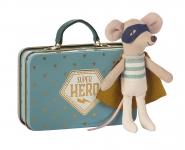 Doudou souris Super Héros dans sa valise